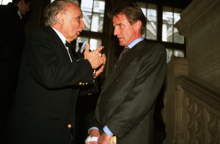 Gabriel Nahas s'entretient  avec Bernard Kouchner